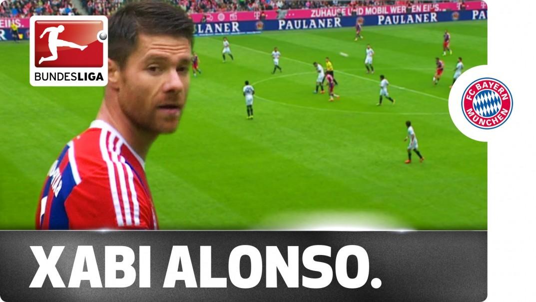 Video: Xabi Alonso melkein teki puolesta kentästä maalin. Taas!