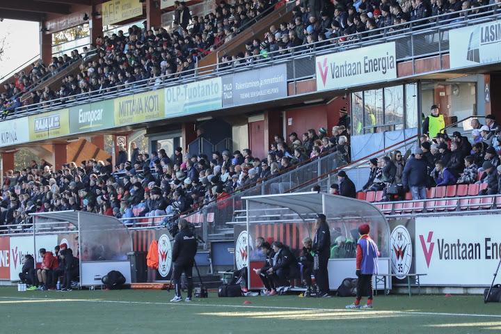 Veikkausliigaan noussut PK-35 Vantaa pelaa kotiottelunsa Myyrmäen jalkapallostadionilla. Sarjanousija on esiintynyt alkukauden otteluissa pirteästi. Kuva: www.pk35vantaa.fi