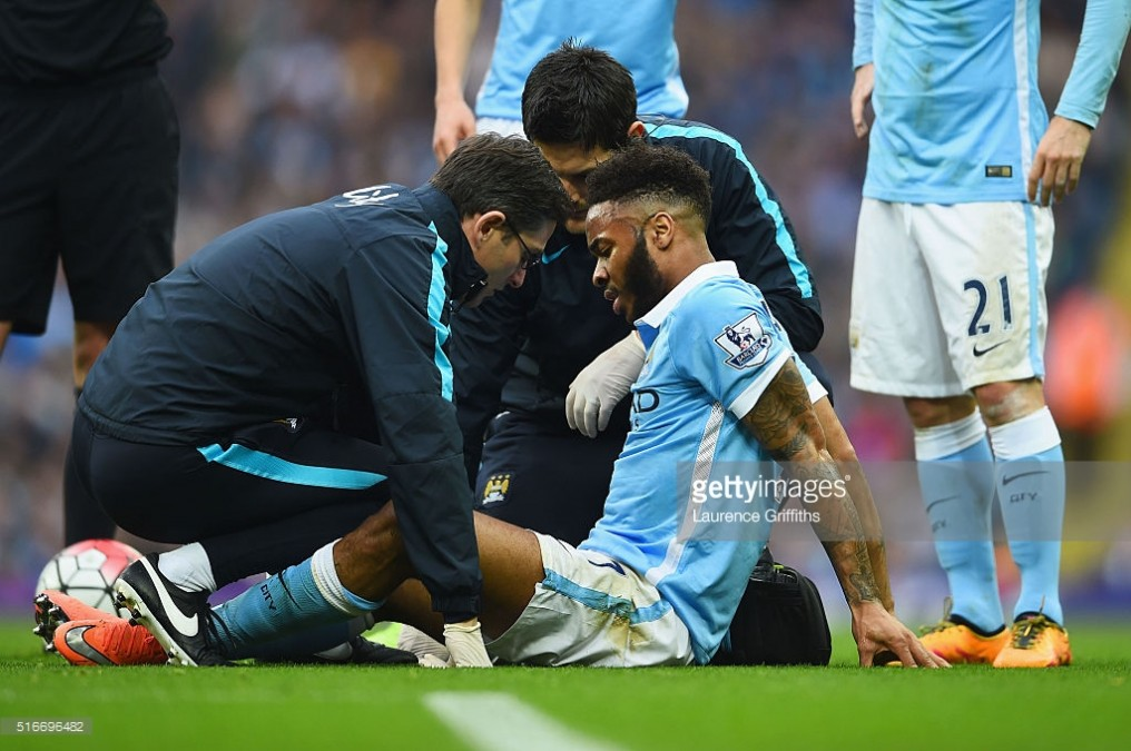 during the Barclays Premier League match between Manchester City and Manchester United at Etihad Stadium on March 20, 2016 in Manchester, United Kingdom.