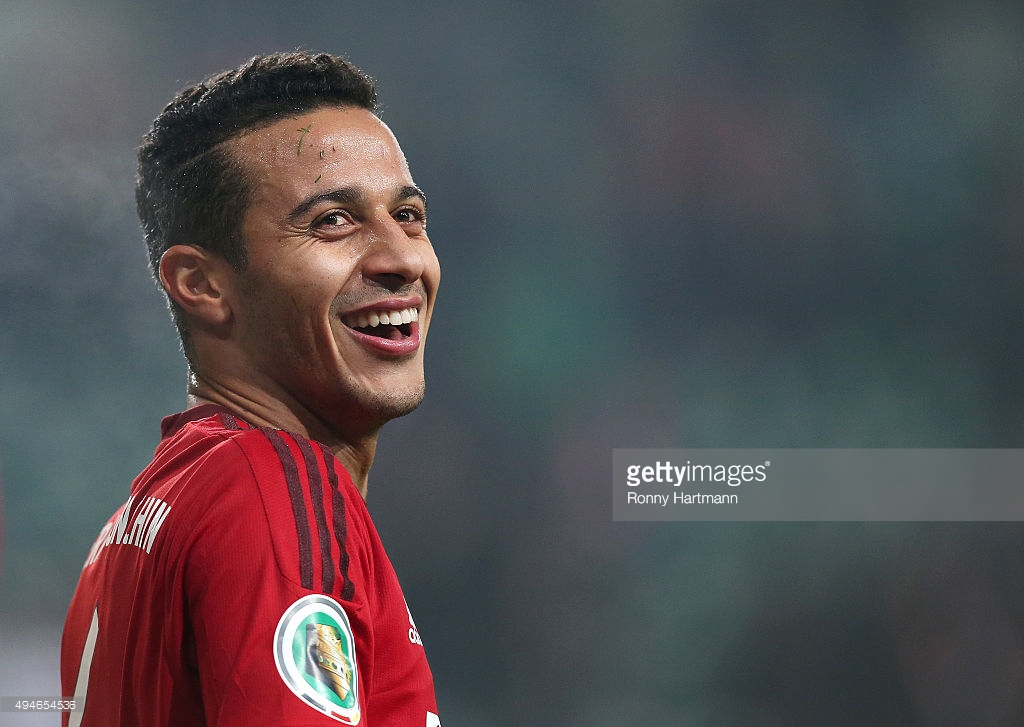 WOLFSBURG, GERMANY - OCTOBER 27: Thiago of Muenchen smiles during the DFB Cup second round match between VfL Wolfsburg and FC Bayern Muenchen at Volkswagen Arena on October 27, 2015 in Wolfsburg, Germany. (Photo by Ronny Hartmann/Bongarts/Getty Images) *** Local caption *** Thiago