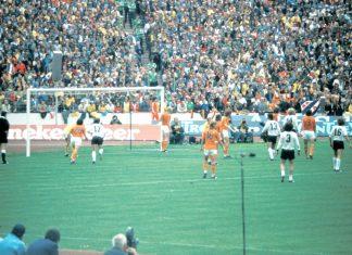1974 totaalinen jalkapallo puoliaika