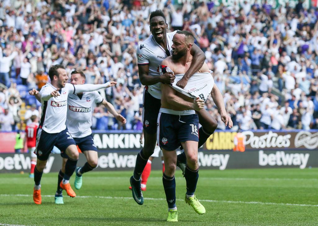 Bolton Wanderers säilyi puoliaika