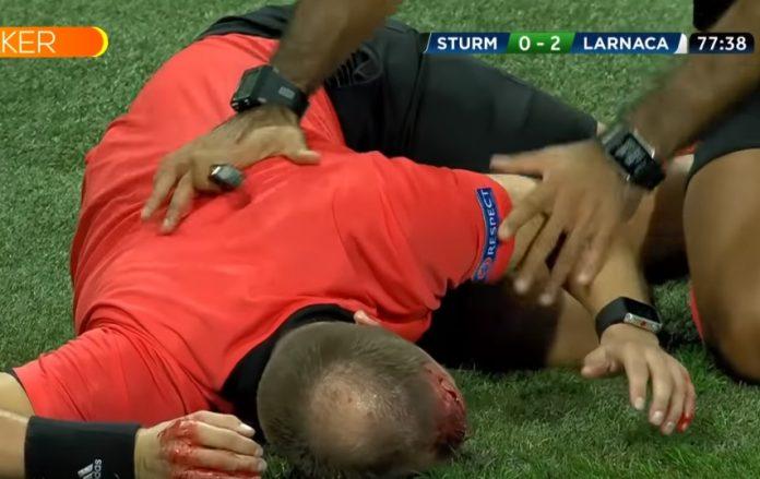 avustavaa erotuomaria heitettiin tuopilla päähän eurooppa-liigan matsi keskeytettiin